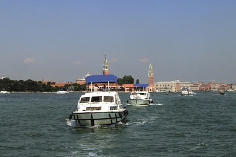 Le Boat flotilla. Photo by Le Boat