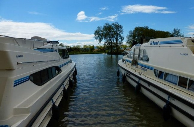 Rent a boat in France or Netherlands